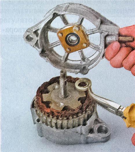 снятие крышки генератора