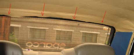 Закрепляем крокодилы по бокам потолка.