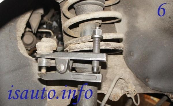 Выпрессовка шарнира рулевого наконечника