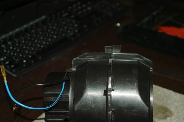 Передняя часть корпуса вентилятора отопителя ваз