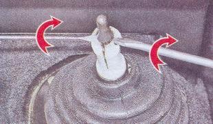Разжимание лепестков дистанционной втулки