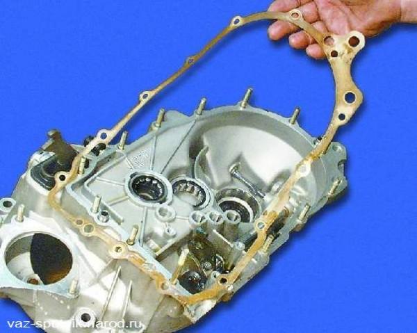 ВАЗ 21099 ремонт коробки передач. Удаление уплотнительной прокладки