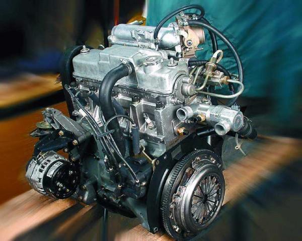 Общий вид двигателя ВАЗ 2110