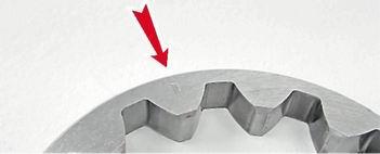 Метка, которой ведомая шестерня прикладывается к корпусу