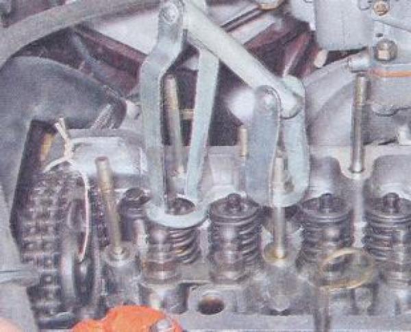 Фото как выполняется рассухаривание клапанов