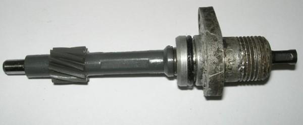 Привод измерителя вместе со штоком и уплотнительным кольцом