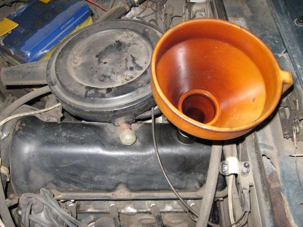 Замена масла в ваз2101 (а точнее его заливка)