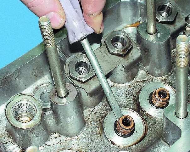 Фото №13 - замена направляющих втулок клапанов ВАЗ 2110
