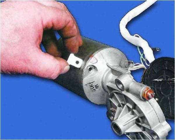 vaz 2109 remont svoimi rukami 600x480 - Моторедуктор стеклоочистителя ваз 2109