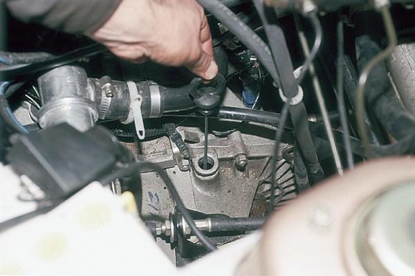 Замена масла в КПП ВАЗ 2111 делается точно так же