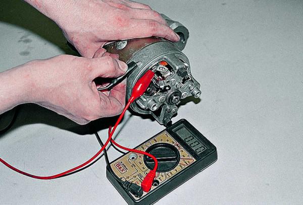 Измерение замыкания на корпус при помощи мультиметра
