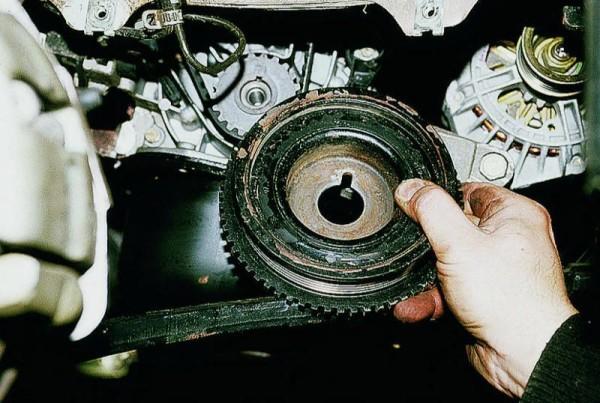 Шкив привода генератора с выемкой