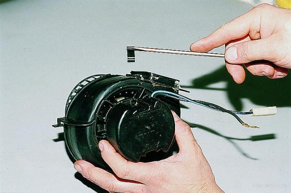 Замена вентилятора отопителя на ВАЗ 2114