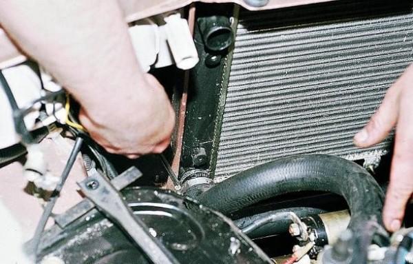 Радиатор в автомобиле ВАЗ 2110
