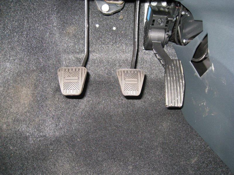 Фото №6 - как снять тросик с педали сцепления ВАЗ 2110