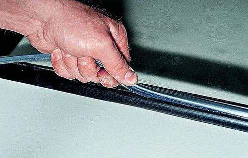 Демонтаж автомобильного стекла ВАЗ