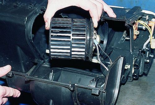 Замена моторчика печки ниссан примера р12 на ваз 2110 стойка стабилизатора рено твинго на geely ck