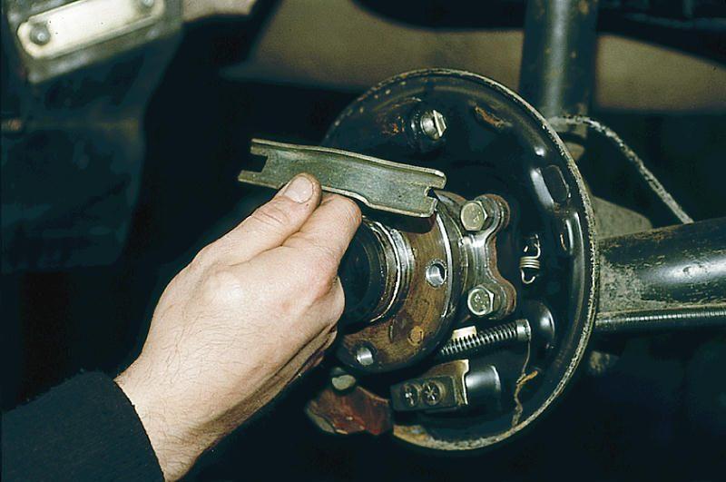 Ваз 2110 не отпускает ручник