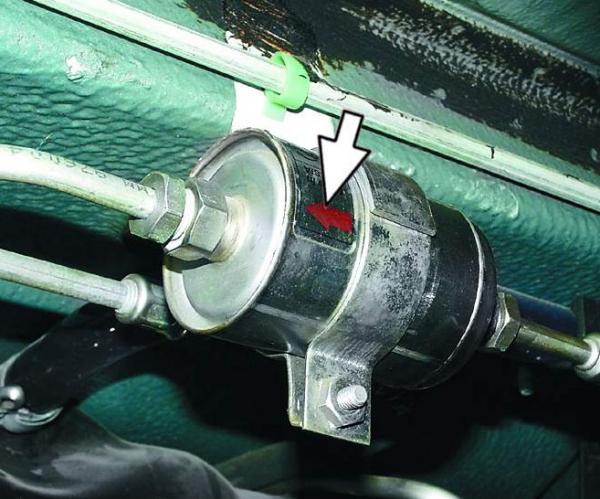 ВАЗ 21102 замена топливного фильтра
