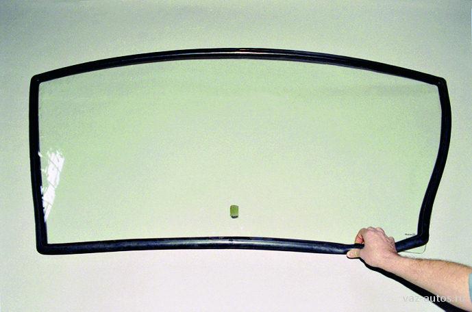 Лобовое стекло на ВАЗ 2115, цена от 28 р
