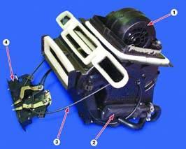 Общий вид отопителя автомобиля ВАЗ 2112