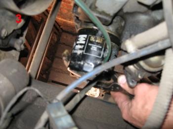 Установка масляного фильтра на авто ВАЗ 2112