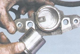 Замена переднего цилиндра тормозного ваз 2109