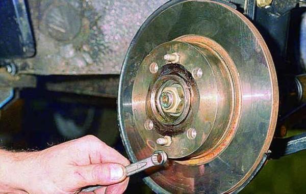 Замена передних тормозных дисков ваз 2109