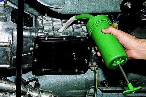 Замена масла на ВАЗ 21053 – заливка в КПП
