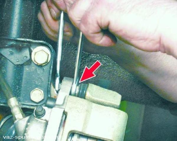 Замена передних колодок ВАЗ 2109