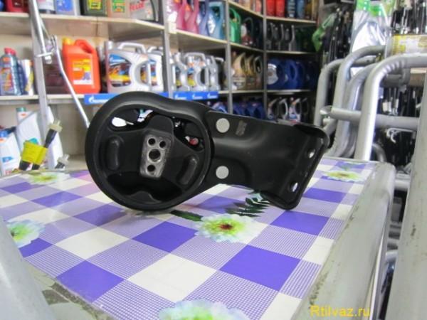 Передняя подушка автомобиля ВАЗ 2109