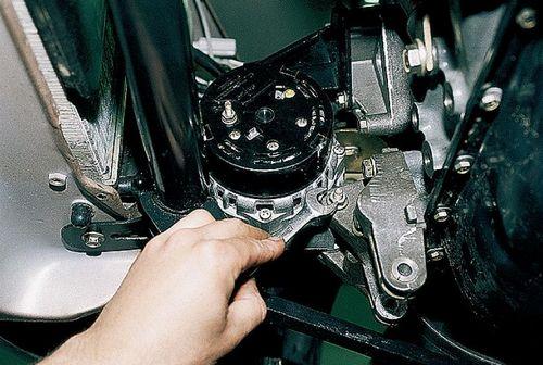 Ваз 2112 снятие генератора