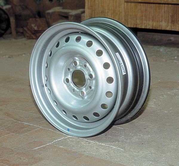 Штампованный заводской диск ВАЗ