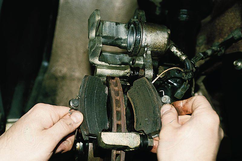 Замена задних тормозных колодок лада гранта своими руками