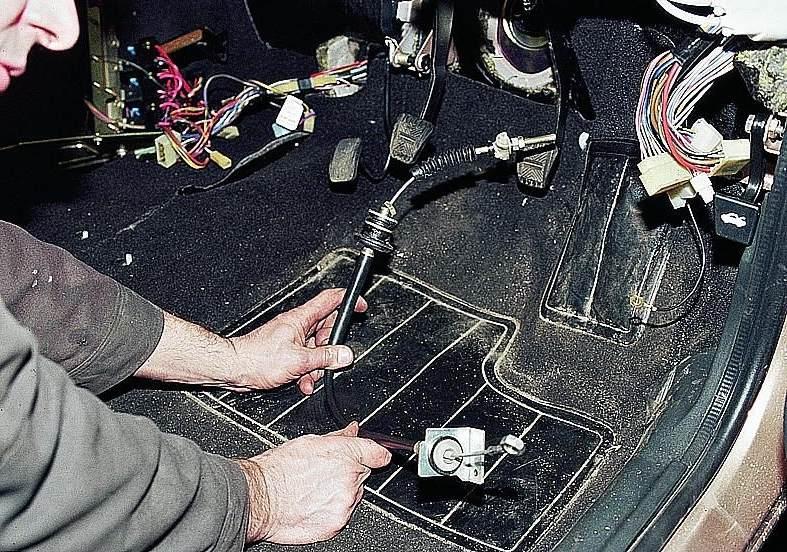 Фото №26 - замена тросика газа на ВАЗ 2110