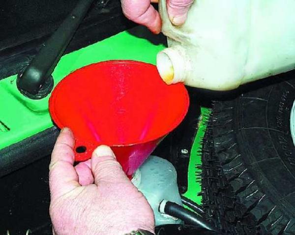 Замена (доливка) охлаждающей жидкости ваз 2110