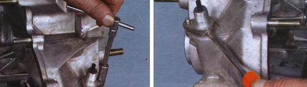 Откручиваем гайку привода, снимаем её, затем поддев корпус плоской отверткой достаем привод