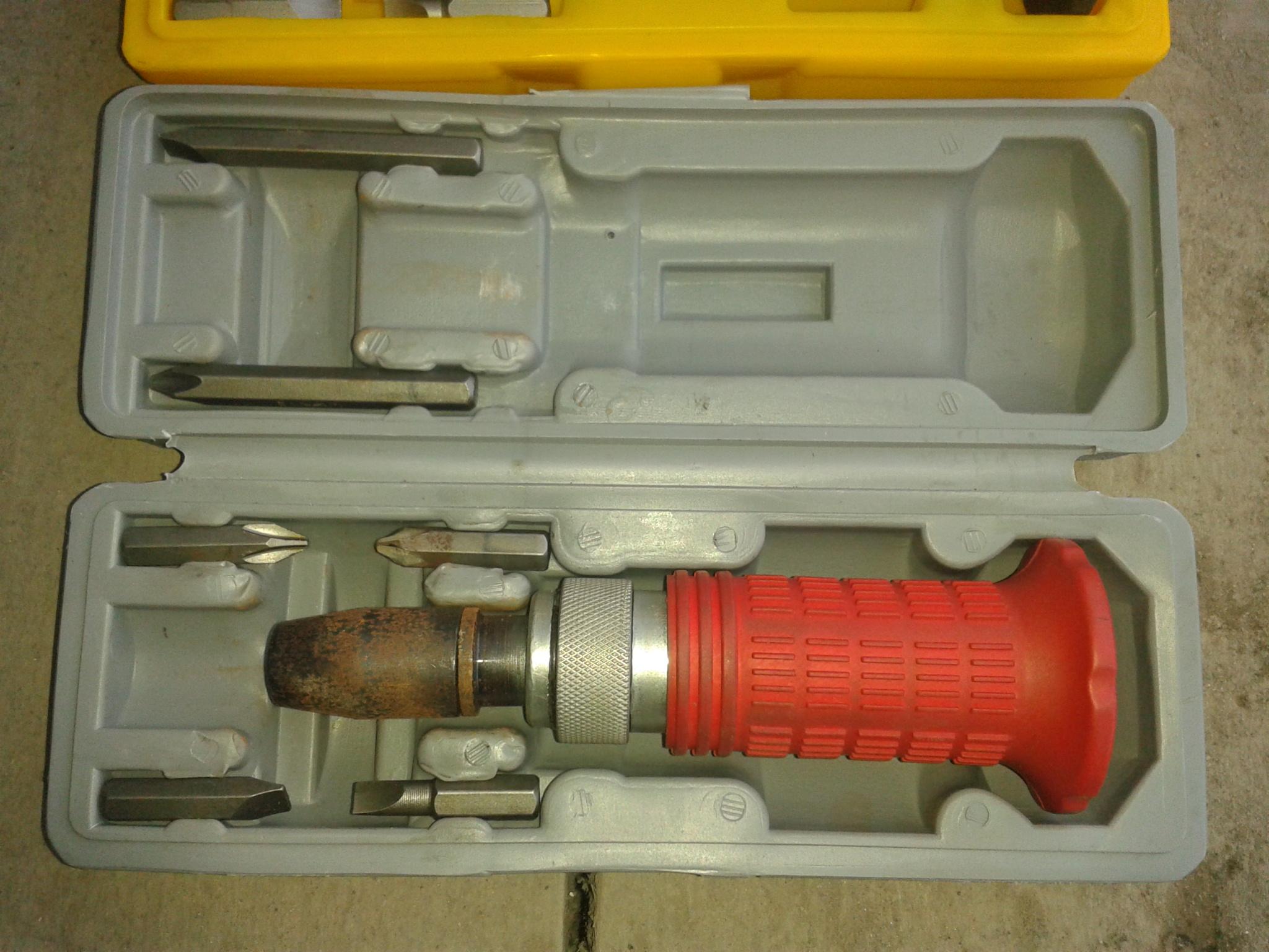 Подводный фонарь для охоты своими руками