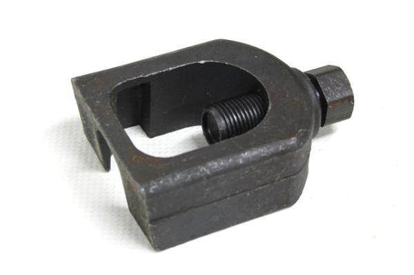 Замена шаровой опоры ВАЗ 2109 – специальный съемник