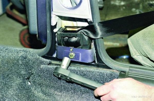 Замена ремней безопасности Ваз 2109